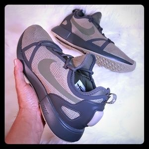 Nike Duel Racer 🔥 Ankle - High Running Shoe
